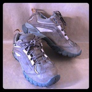 VASQUE Gore-Tex Hiking Trail Shoe EUC Brown Vibram